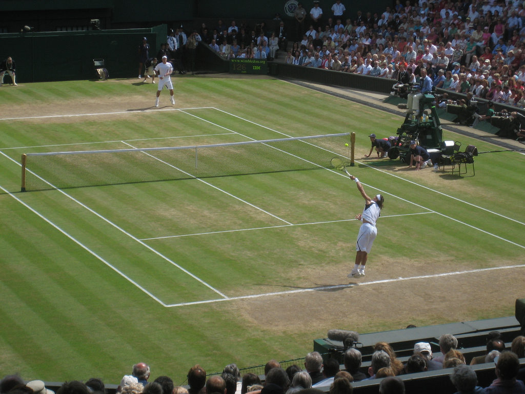 Roger_Federer_and_Rafael_Nadal_at_the_2006_Wimbledon_Championships